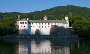 manastirea-cozia-calimanesti-valcea